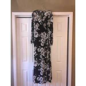 Black/White Floral Long Sleeve Wrap Dress